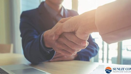 Contract Disputes and the Skills Needed to Negotiate, people shaking hands